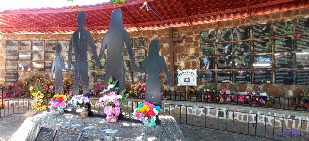 Monumento en el Mozote