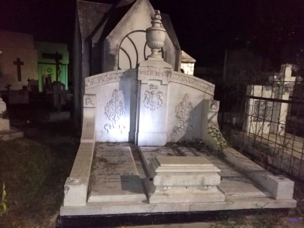 Esculturas cementerio de los ilustres