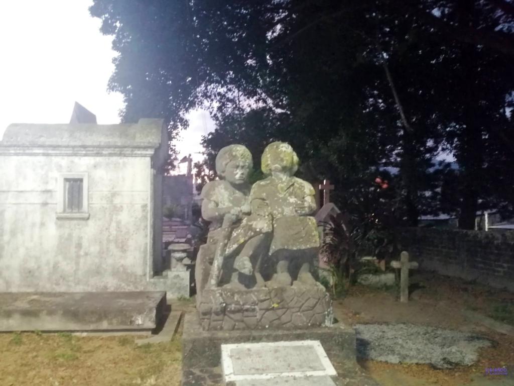 Tumbas cementerio de los ilustres